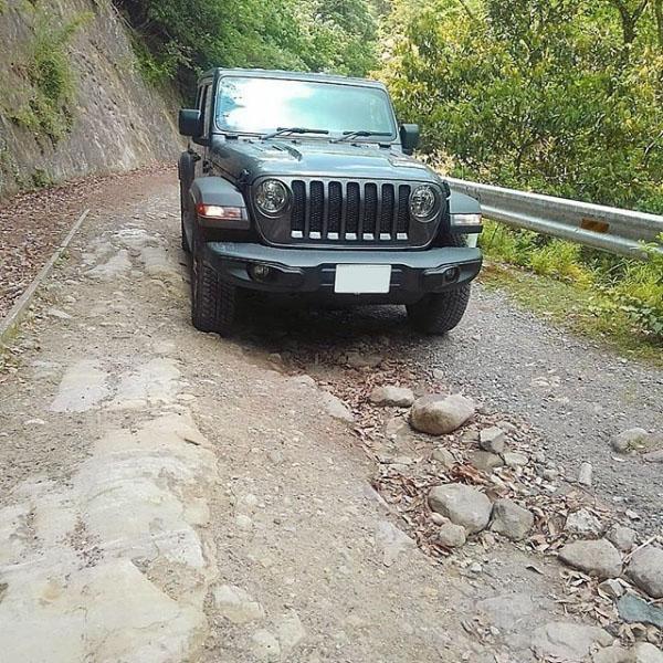 jl-jeep11.jpg